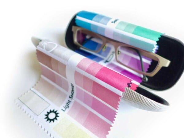 Stoff-Farbpass Nahsicht 1